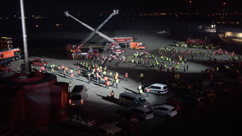 Berlin Tegel staff dance on APRON